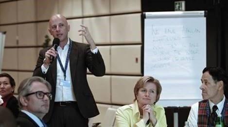 Mr Zander moderates in Vienna
